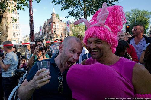 фото геев в женской одежде